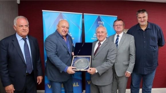 Вицепрезидентът на Българската федерация по волейбол (БФВ) Любо Ганев потвърди