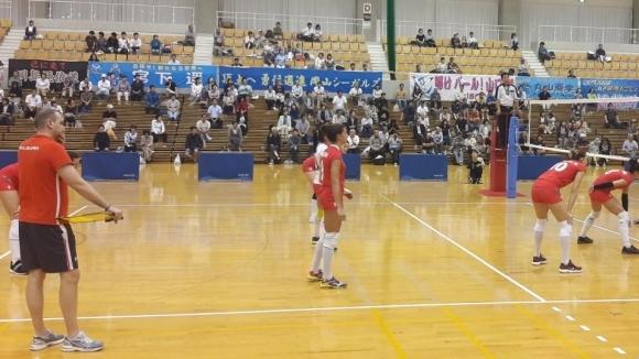 Националките ни по волейбол завършиха 2:2 (25:19, 12:25, 23:25, 25:23)