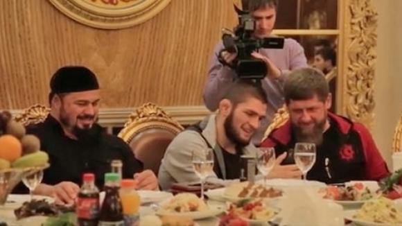 Шампионът на UFC в лека категория Хабиб Нурмагомедов бе удостоен