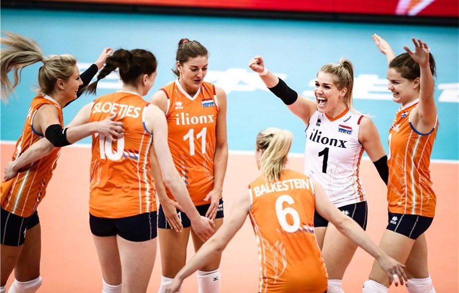 Националният отбор на Холандия постигна драматична победа с 3:2 (30:32,