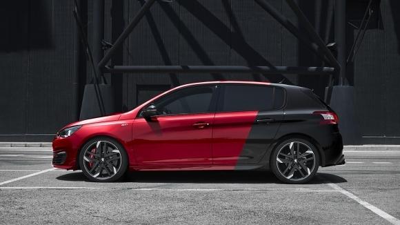 Новото Peugeot 308 GTi се отличава с най-спокойния и сдържан