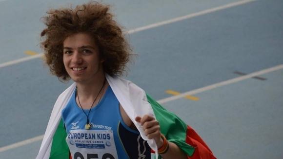 Веселин Живков направи силно бягане във втората фаза на 200