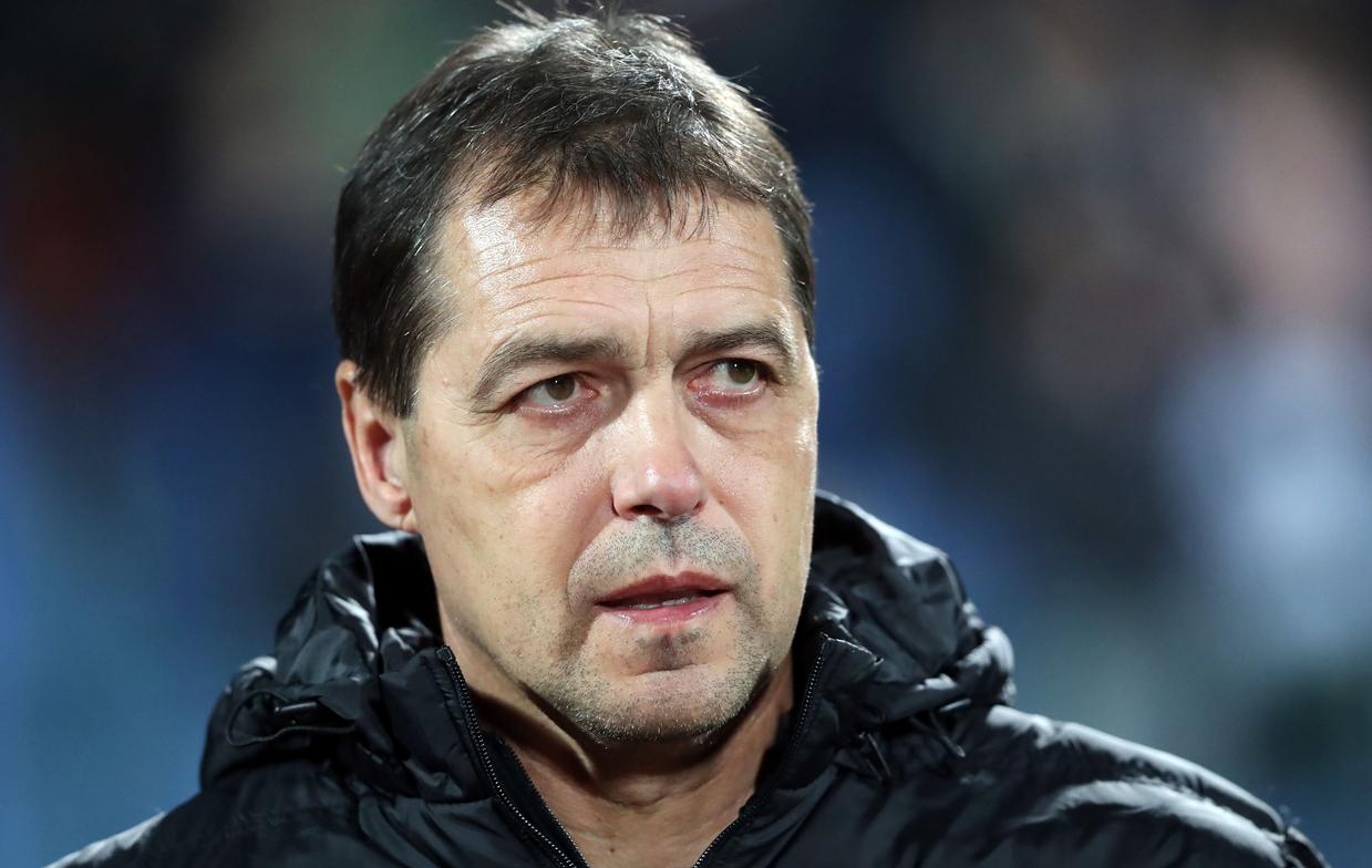 Селекционерът на националния ни отбор Петър Хубчев не бе доволен