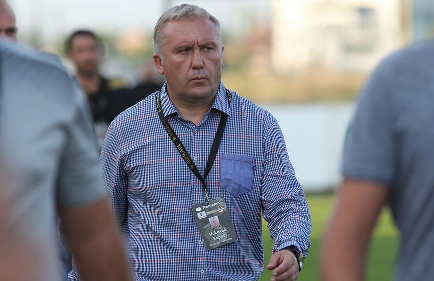 Старши-треньорът на Ботев Николай Киров няма да може да разчита