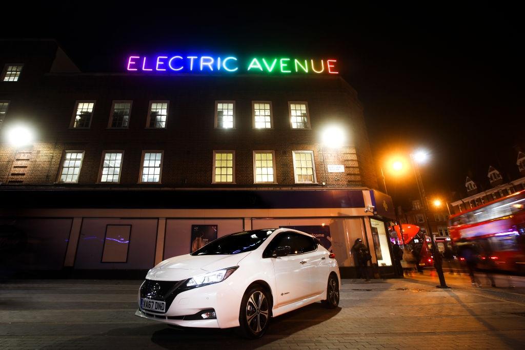 Второто поколение на Nissan Leaf развълнува цяла Европа тази година.