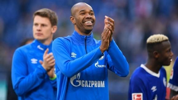 Защитникът на Шалке 04 Налдо подписа нов договор с клуба.