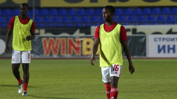 Халфът на ЦСКА-София Жанио Бикел е част от отбора вече