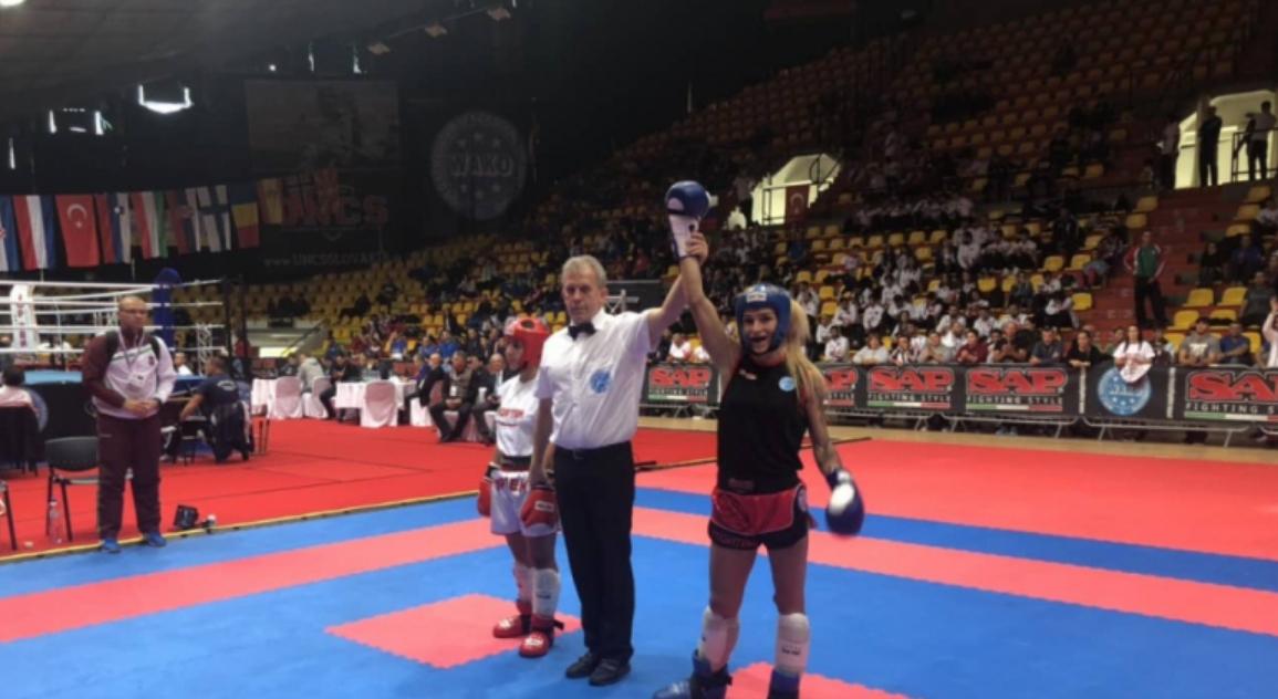 Европейската шампионка по кикбокс Албена Ситнилска се прибира в България