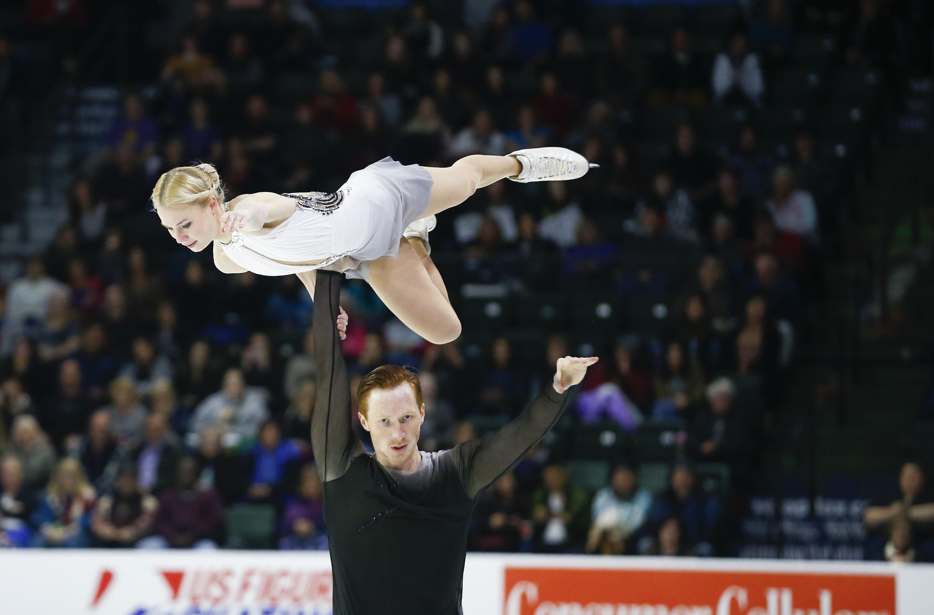 Двукратните европейски шампиони Евгения Тарасова и Владимир Морозов от Русия