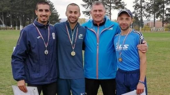 Националният рекордьор в бягането на 3000 метра стийпълчейз Митко Ценов