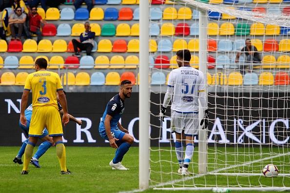 Снимка: Обрати и голова фиеста в ранния неделен мач в Серия
