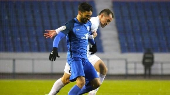 Стойчо Младенов излезе победител в сблъсъка на българските треньори в