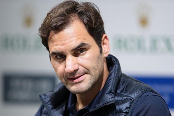 Швейцарският тенисист Роджър Федерер разкри, че е играл с травма