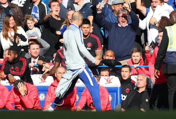 Помощник треньорът на Челси Марко Яни е обвинен в недопустимо