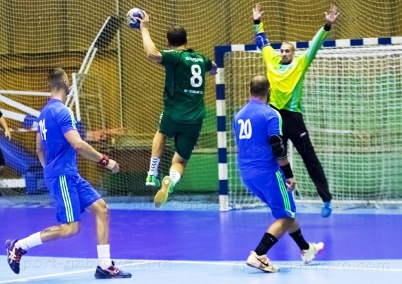 Хандбалният отбор на Чардафон (Габрово) се изкачи на 2-о място
