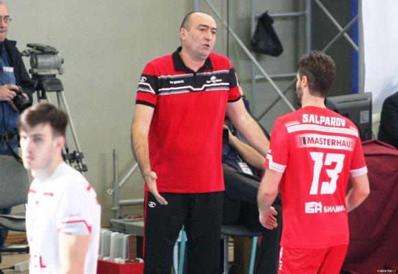 Волейболният шампион на България Нефтохимик 2010 (Бургас) приема утре (24