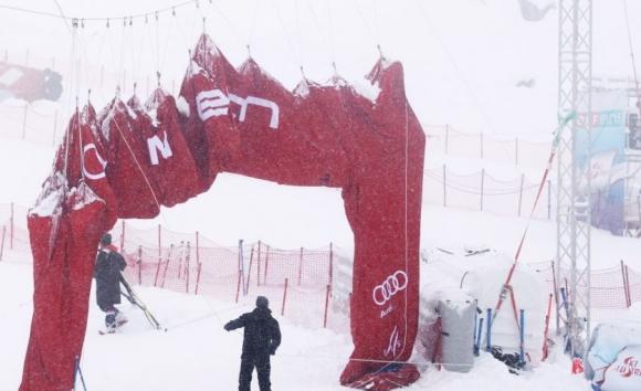 Мъжкият гигантски слалом, който трябваше да се проведе в Зьолден