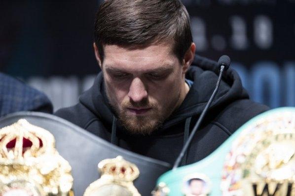 Абсолютният световен шампион в полутежка категория Александър Усик заяви, че