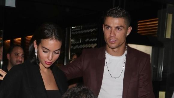 Продължава семейната ваканция на Кристиано Роналдо в Лондон. Във вторник