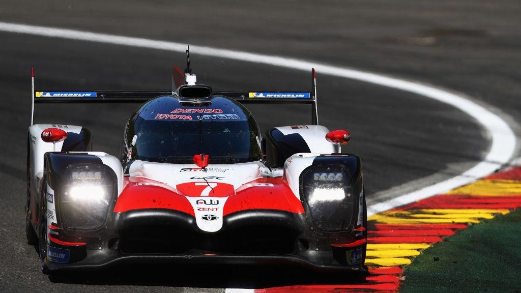 Отборът на Toyota спечели първите две места в квалификацията за
