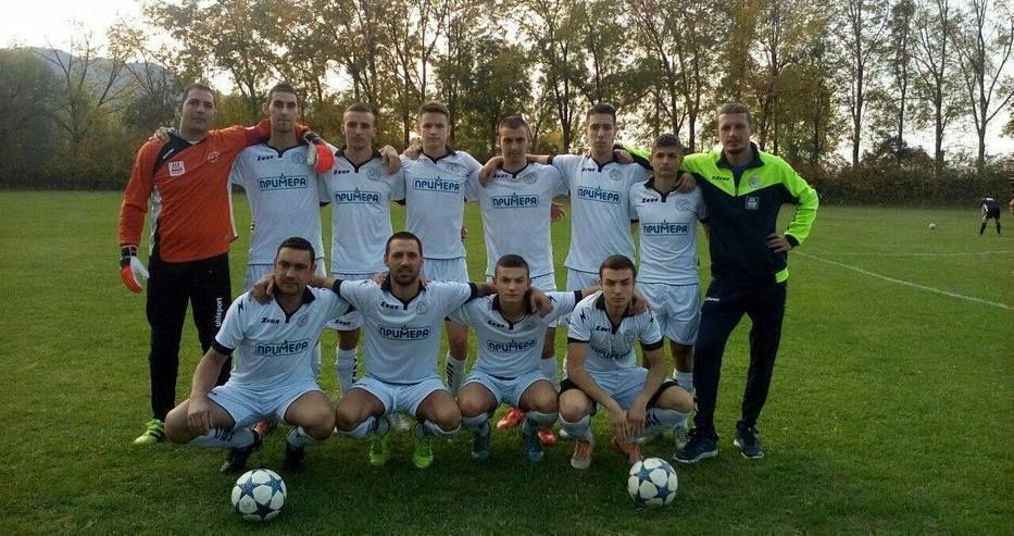 Футболистите на Тополи 2010 поднесоха изненадата на ХIII кръг в
