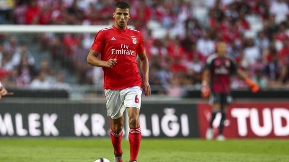 Италианският шампион Ювентус следи изявите на 21-годишния национал на Португалия