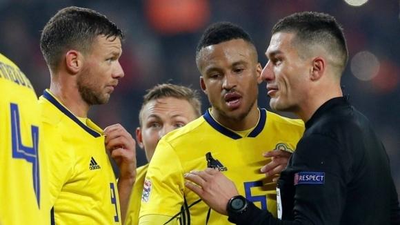 Нападателят на Швеция Маркус Берг разтресе футболния свят със скандално