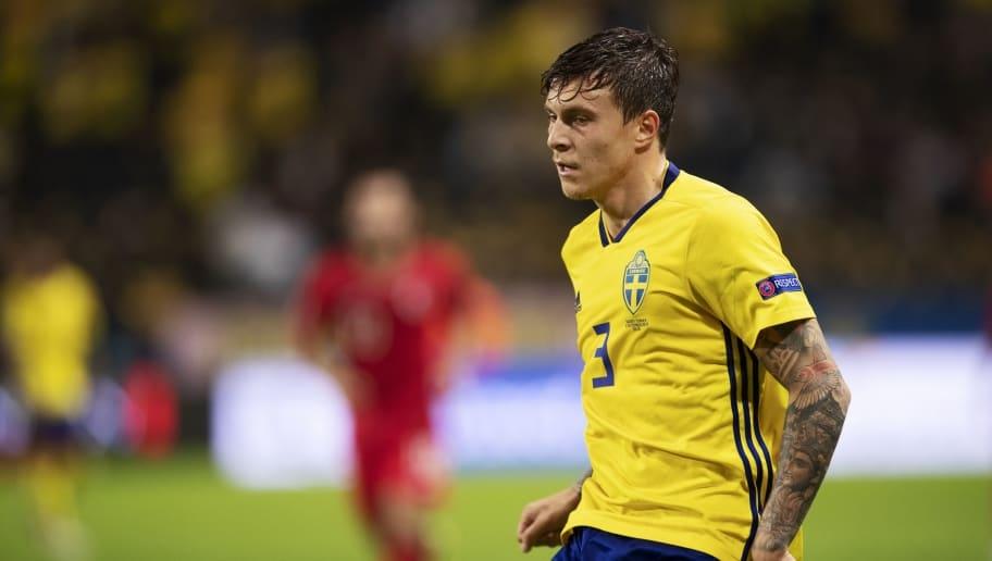 Защитникът на Швеция и Манчестър Юнайтед Виктор Линдельоф е под