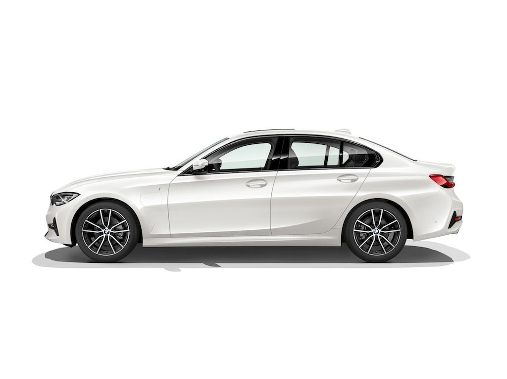 Характерът на новото BMW Серия 3 Седан се определя от