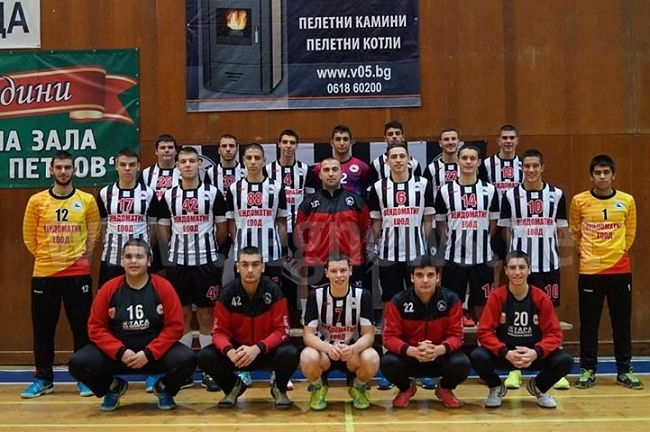 Хандбалният отбор на Локомотив (Горна Оряховица) победи втородивизионния Железничар (София)