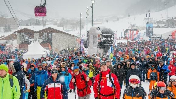 Слаломът от световната купа за мъже в алпийските ски беше