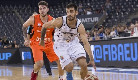 Българският национал Станимир Маринов отбеляза 16 точки при победата на