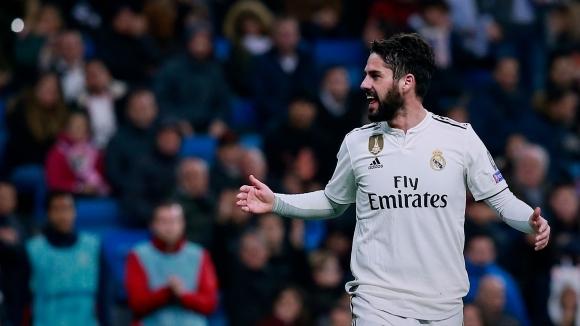 Халфът на Реал Мадрид Иско влезе в пререкание с феновете