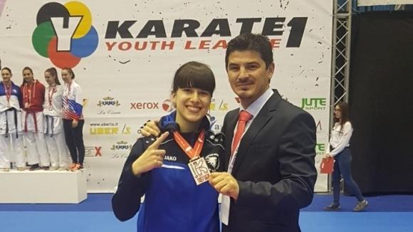Ивана Каменова от карате клуб Никон стана шампионка на Световната