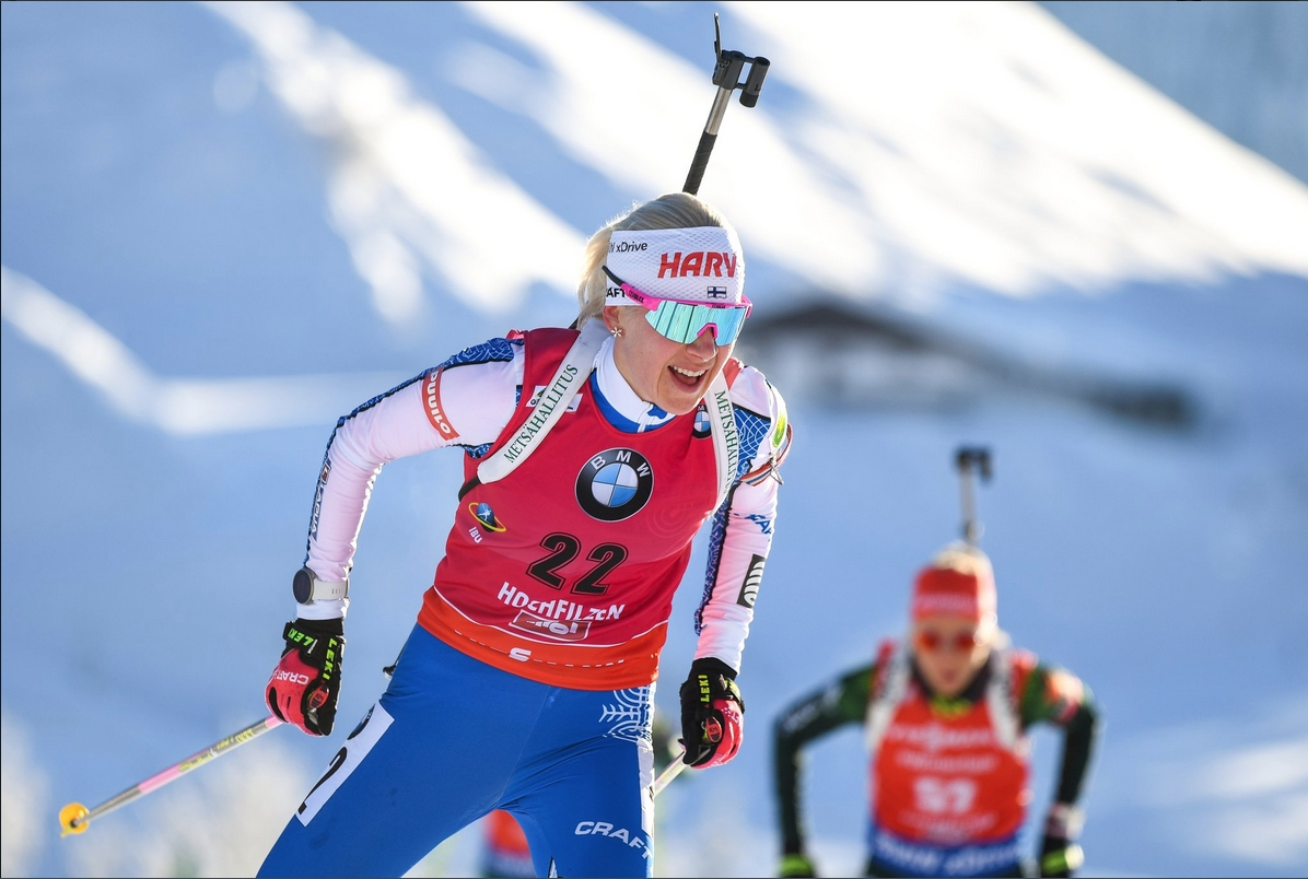 Трикратната носителка на Световната купа Кайса Макарайнен (Финландия) направи три