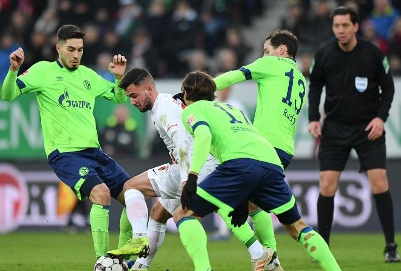 Осминафиналистът в Шампионската лига Шалке 04 пак не намери сили