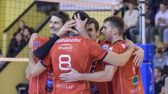 Националът Мартин Атанасов и неговият Шомон записаха 7-а победа във