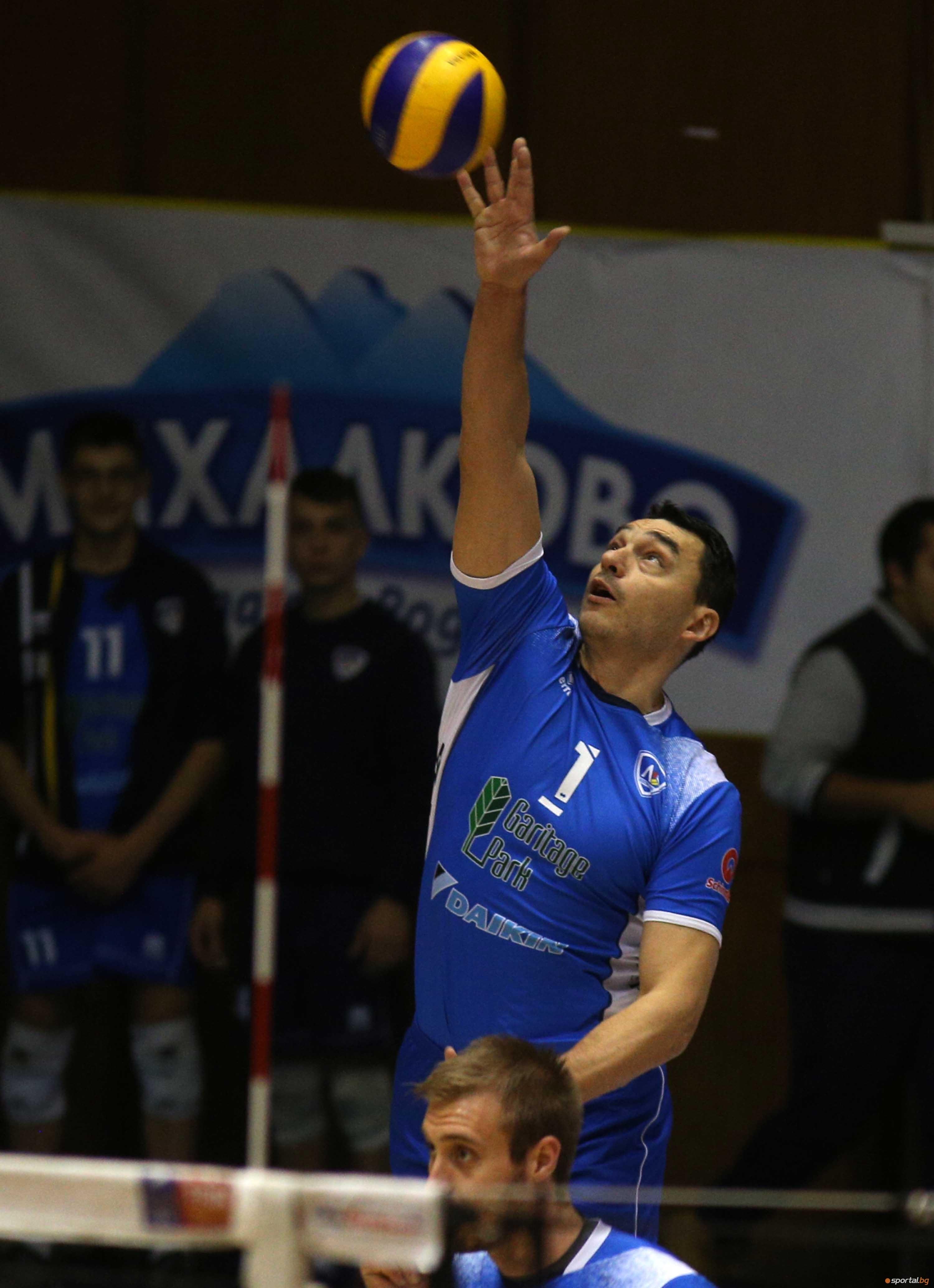 Волейболистите на Левски отнесоха бургаския Дея Спорт с 3:0 (25:18,