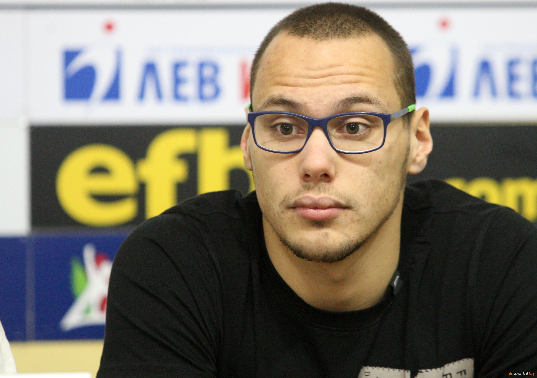 Най-добрият български плувец Антъни Иванов ще има трудности в САЩ