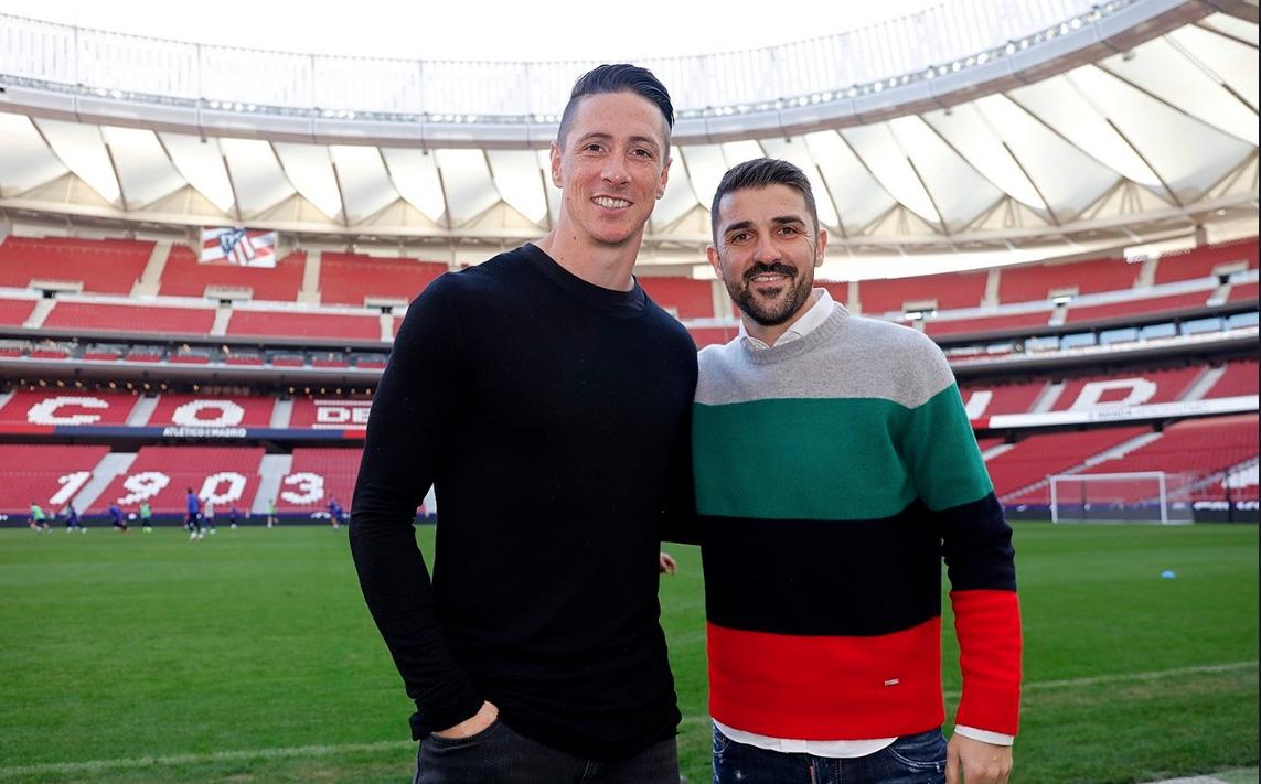 Бившите испански национали Давид Вийя и Фернандо Торес посетиха клубния