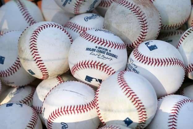 Средната годишна заплата на бейзболист от Висшата лига на САЩ