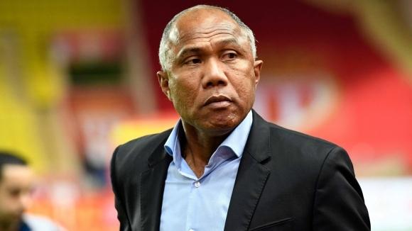 Закъсалият във френската Лига 1 Дижон назначи Антоан Комбуаре за