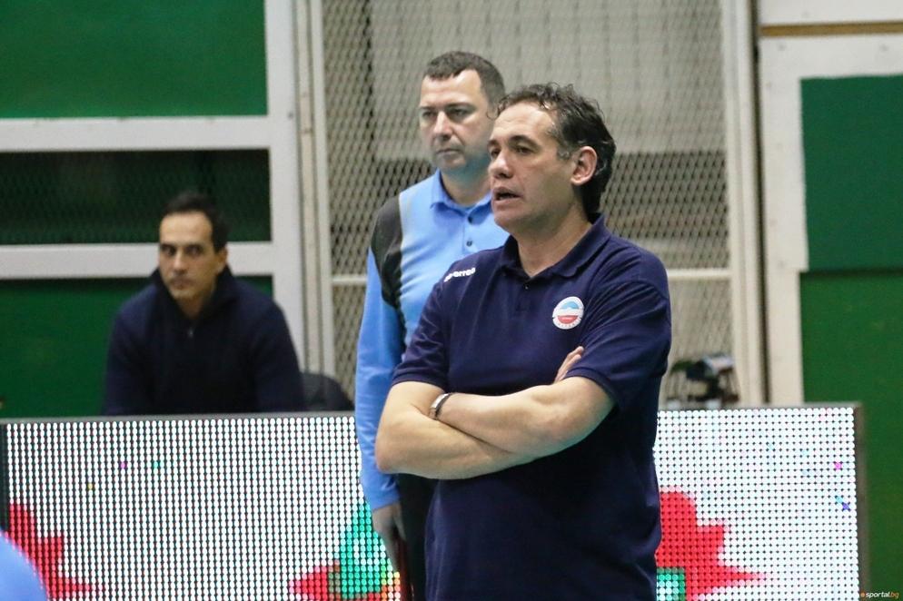 Наставникът на волейболния отбор на Марек Юнион Ивкони Виктор Карагьозов