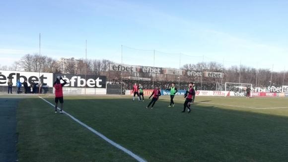 Отборът на Локомотив (Пловдив) надигра с 8:0 юношеския си тим