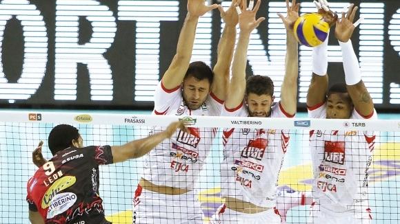 Волейболният национал Цветан Соколов и неговият Кучине Лубе (Чивитанова) допуснаха