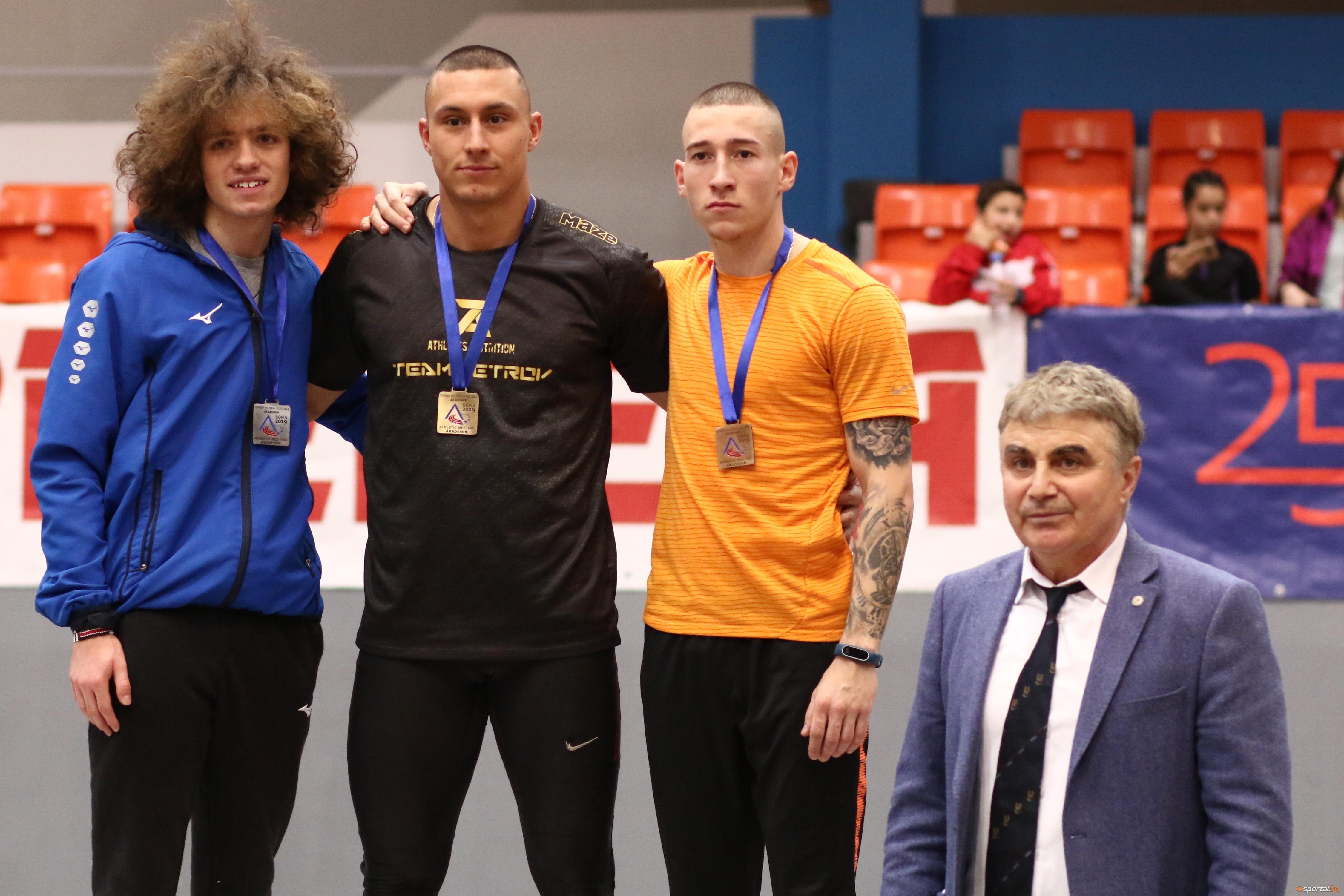 Петър Пеев победи Веселин Живков в една от очакваните с