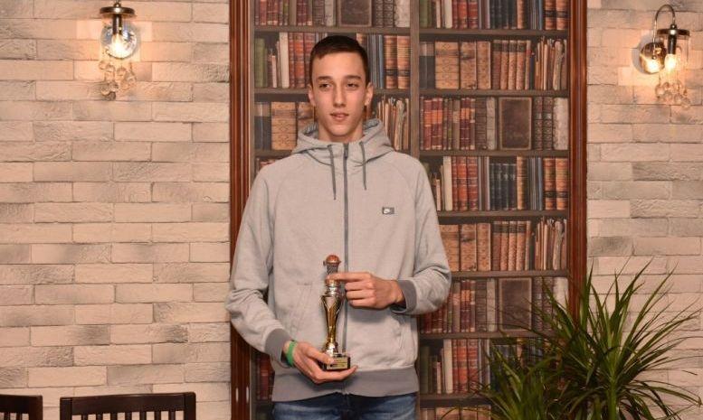 14-годишната баскетболна надежда на Академик Бултекс 99 Симеон Димитров официално