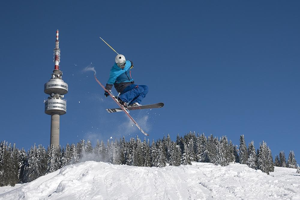 0ff13525b77 Снимка: С отлични условия за ски и сноуборд Пампорово-Мечи чал посреща  Световния ден