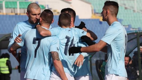 Отборът на Дунав (Русе) победи с 2:0 Ботев (Враца) като