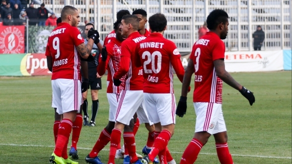 Бразилският защитник на ЦСКА-София Жеферсон вече е в Испания, където